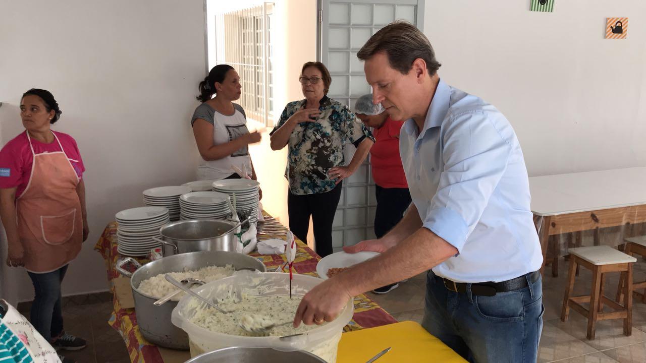 Secretaria de Assistência Social de Itararé (SP) promove almoço de Páscoa
