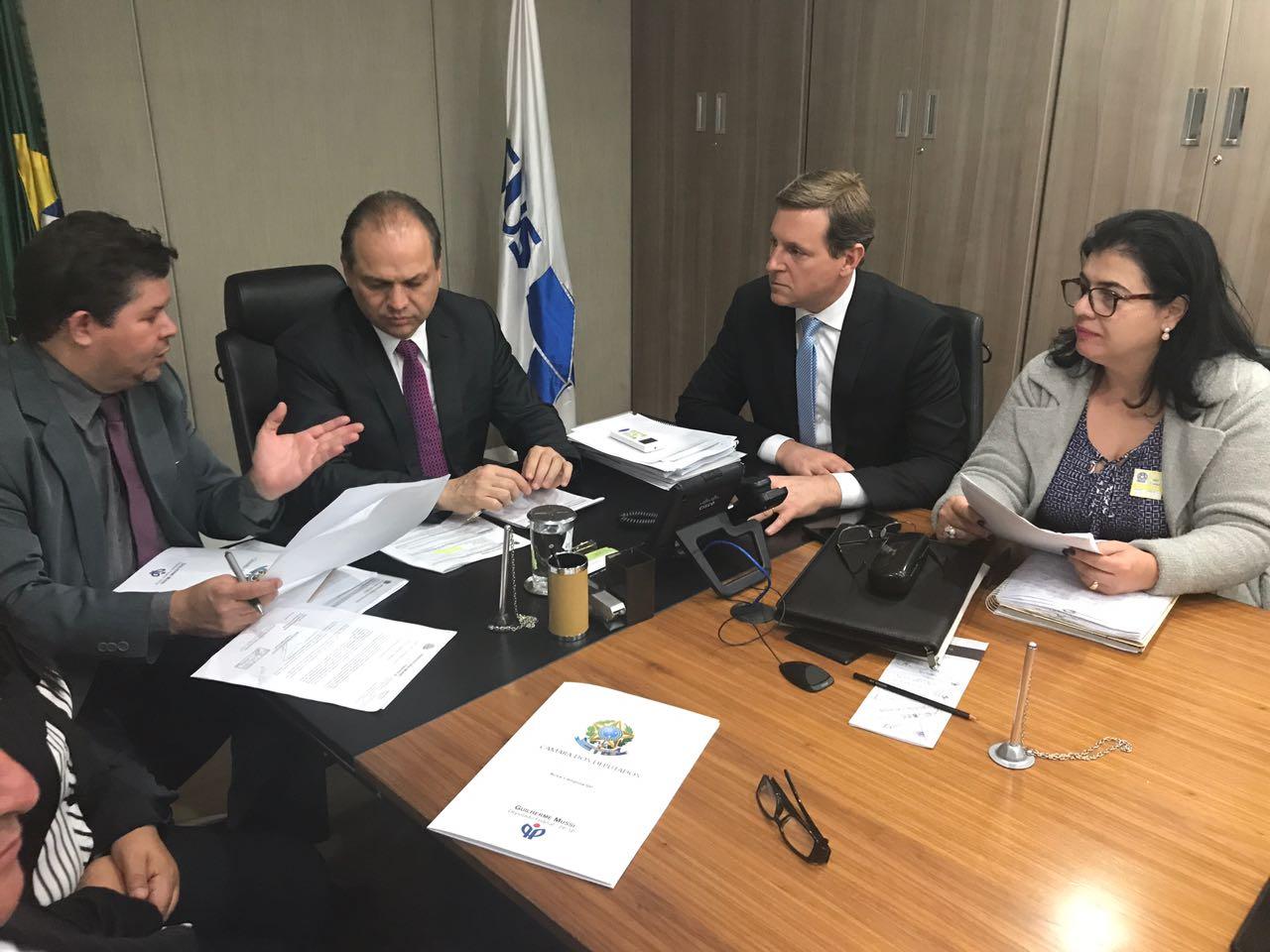 Em Brasília (DF), prefeito de Itararé se reúne com ministro da Saúde