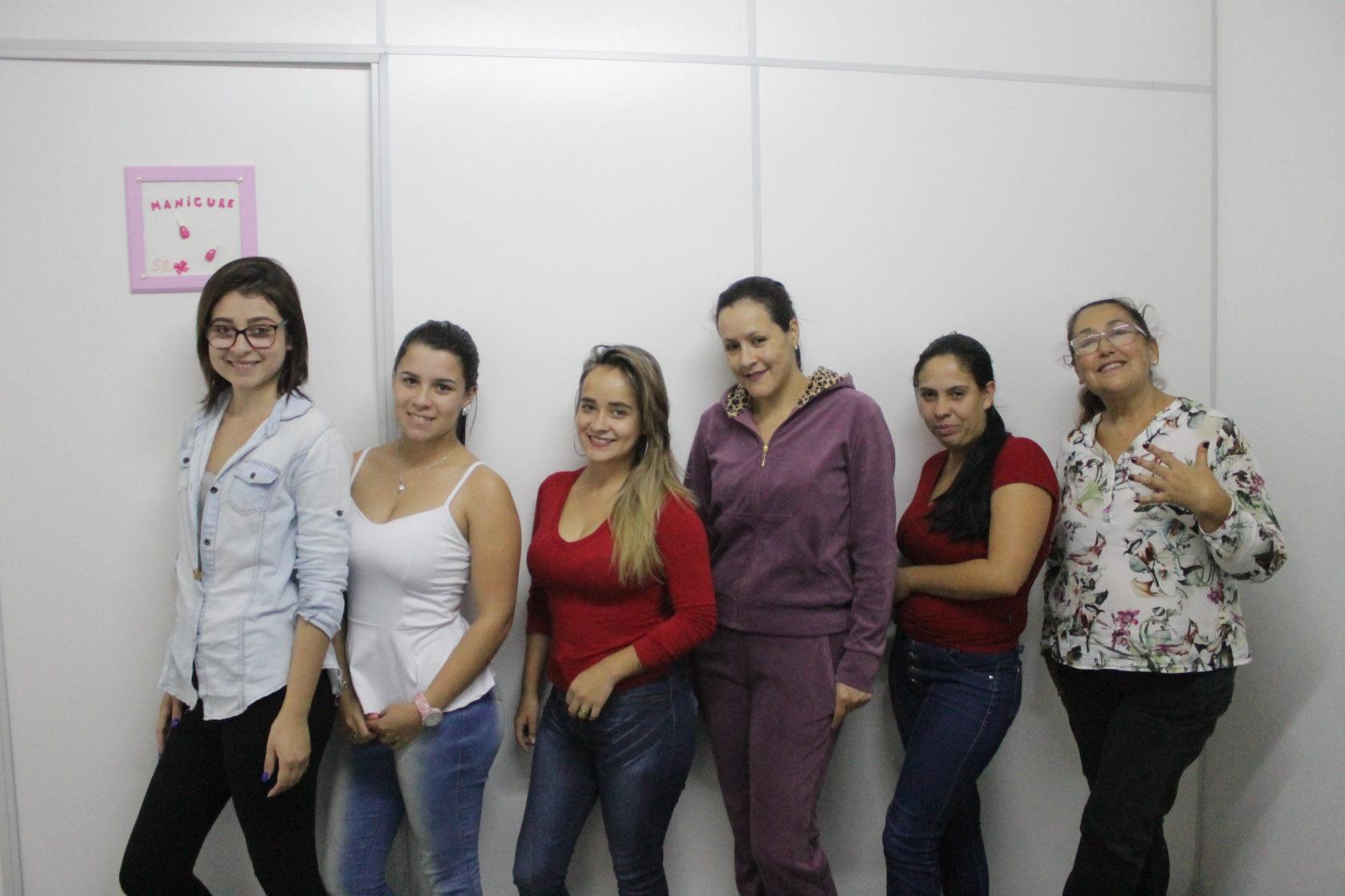 No Dia da Manicure, Prefeitura de Itararé (SP) homenageia profissionais dedicados a cuidar da autoestima da população