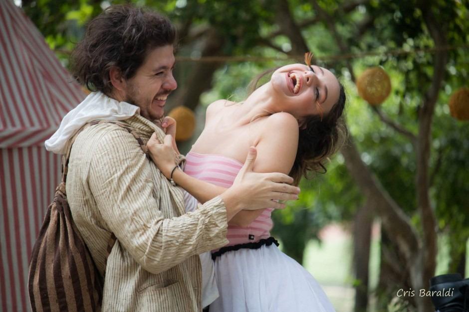 """Praça São Pedro recebe a peça teatral """"Sonhos de uma Noite de Verão"""""""