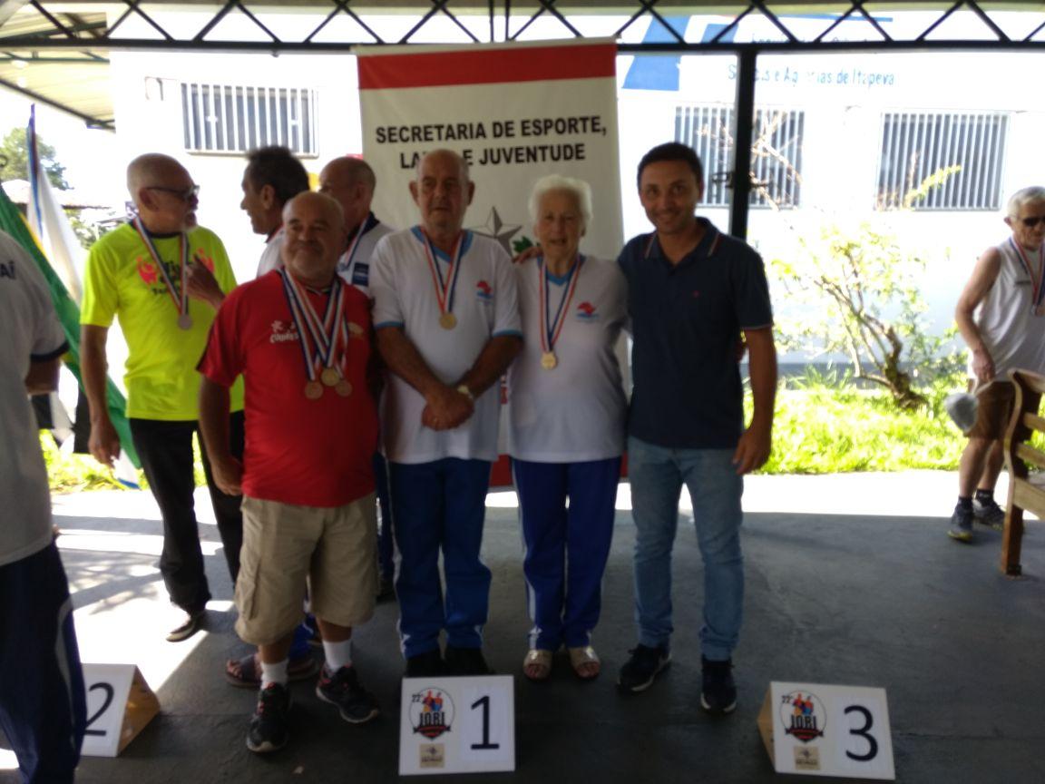 Itararé (SP) conquista medalha de ouro no Truco em Jogos Regionais dos Idosos