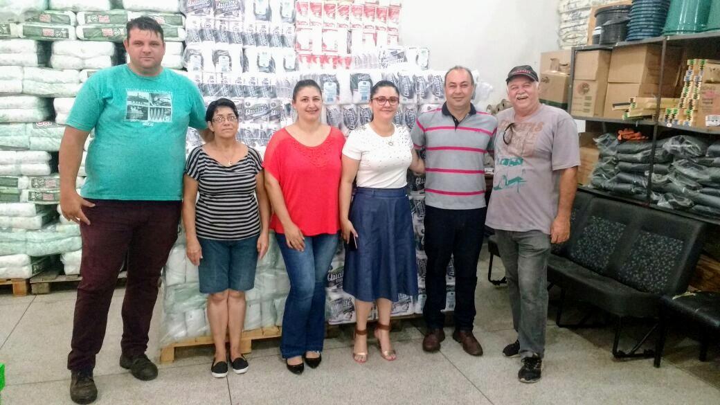 Secretaria da Educação de Itararé (SP) realiza visita técnica ao Departamento de Suprimento Escolar