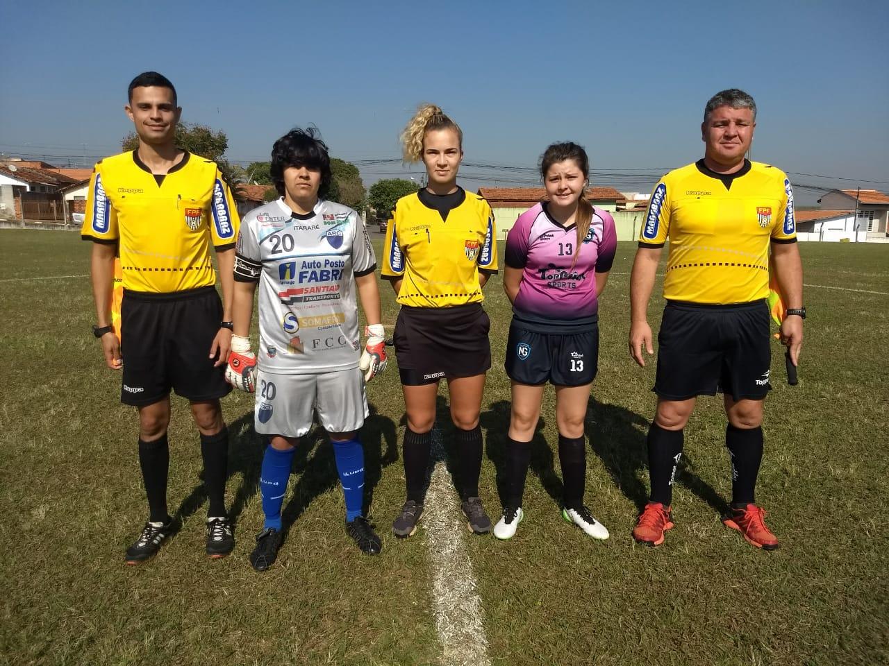 Futebol feminino de Itararé (SP) aplica goleada nos Jogos Regionais