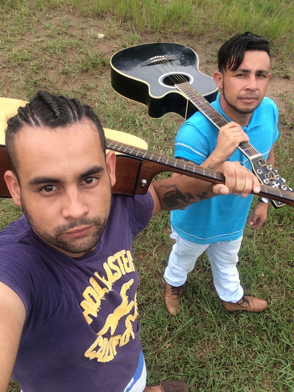 Racius Ferreira e Cristiano se apresentam nesta quarta-feira (04) na Feira da Lua em Itararé (SP)