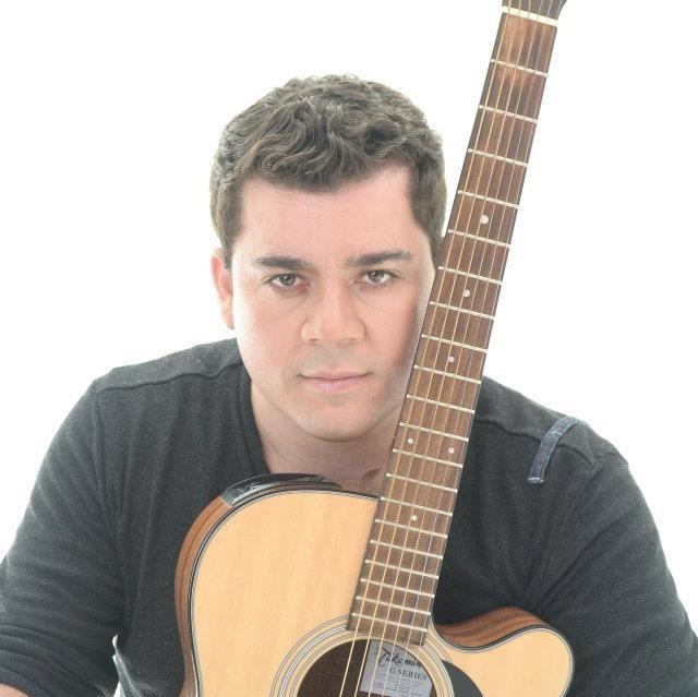 Edinho Jardim se apresenta na Feira da Lua em Itararé (SP) nesta quarta-feira (11)