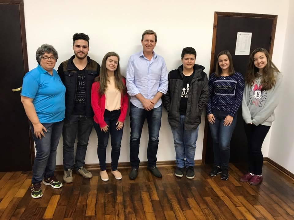 Prefeito de Itararé (SP) faz roda de conversa com alunos da EE Dr. Epaminondas Ferreira Lobo