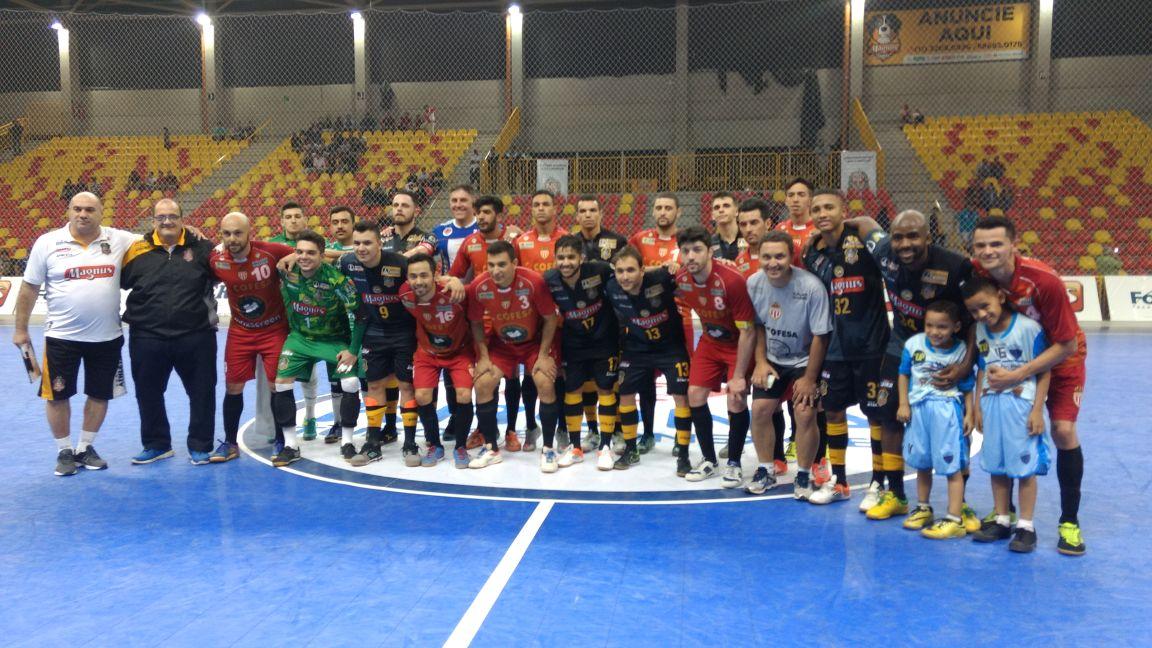 Em noite histórica, Futsal de Itararé conquista prata nos Jogos Regionais