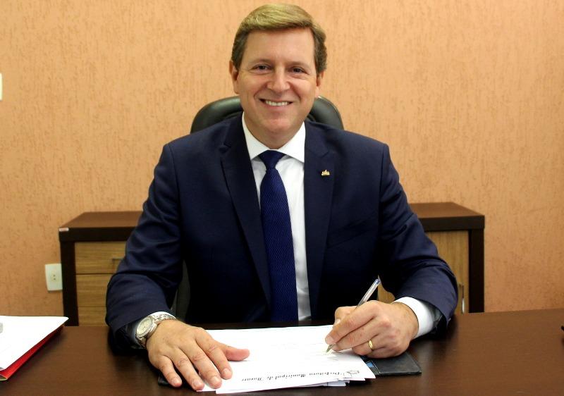Heliton do Valle é empossado prefeito de Itararé (SP)
