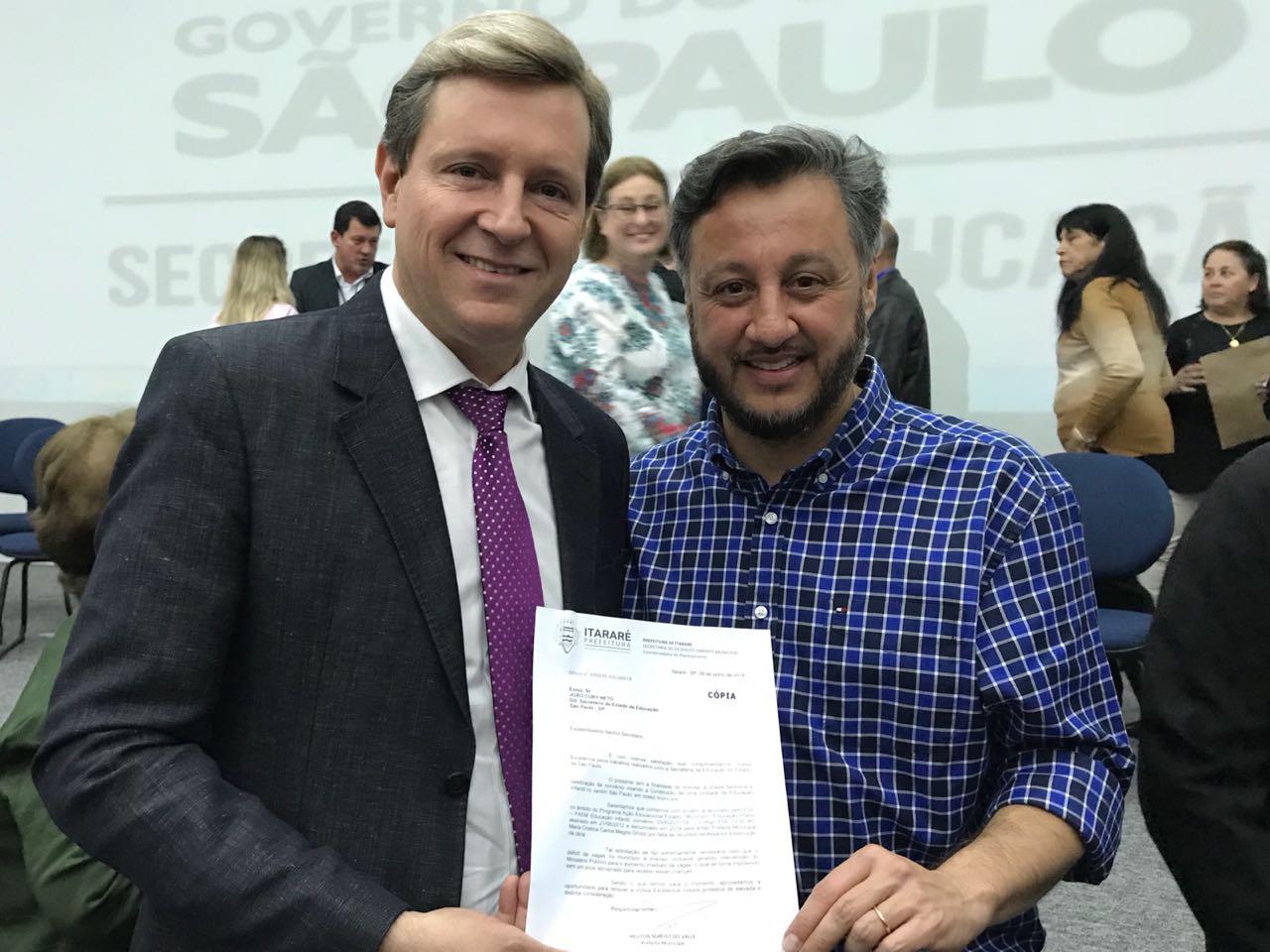 Prefeito de Itararé (SP) solicita verbas ao secretário estadual da Educação para dar continuidade a creche do Jardim São Paulo