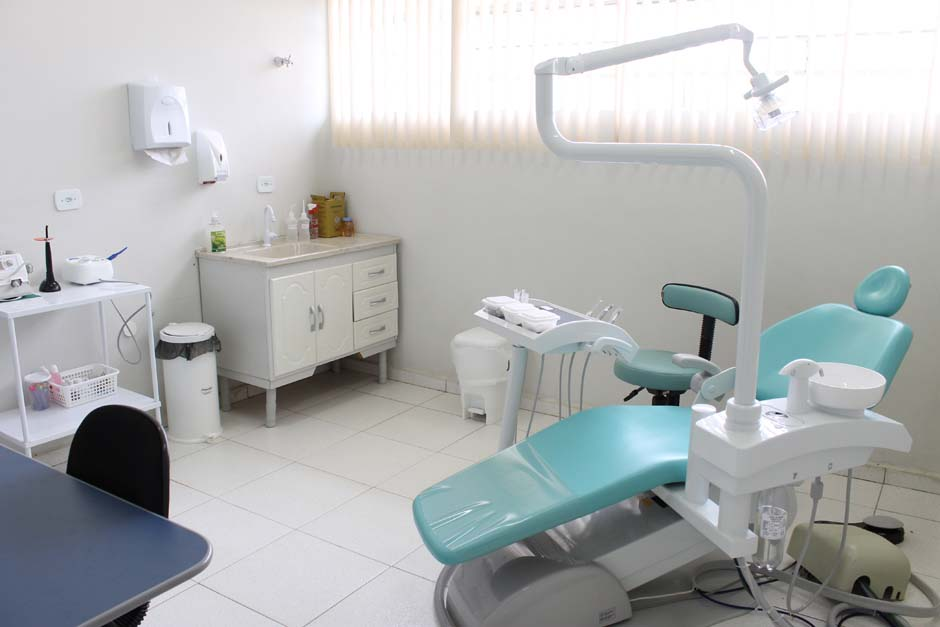 Moradores do Cruzeiro recebem sala odontológica