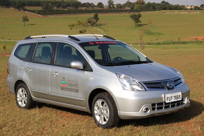 Prefeitura adquire minivan para transporte de pacientes