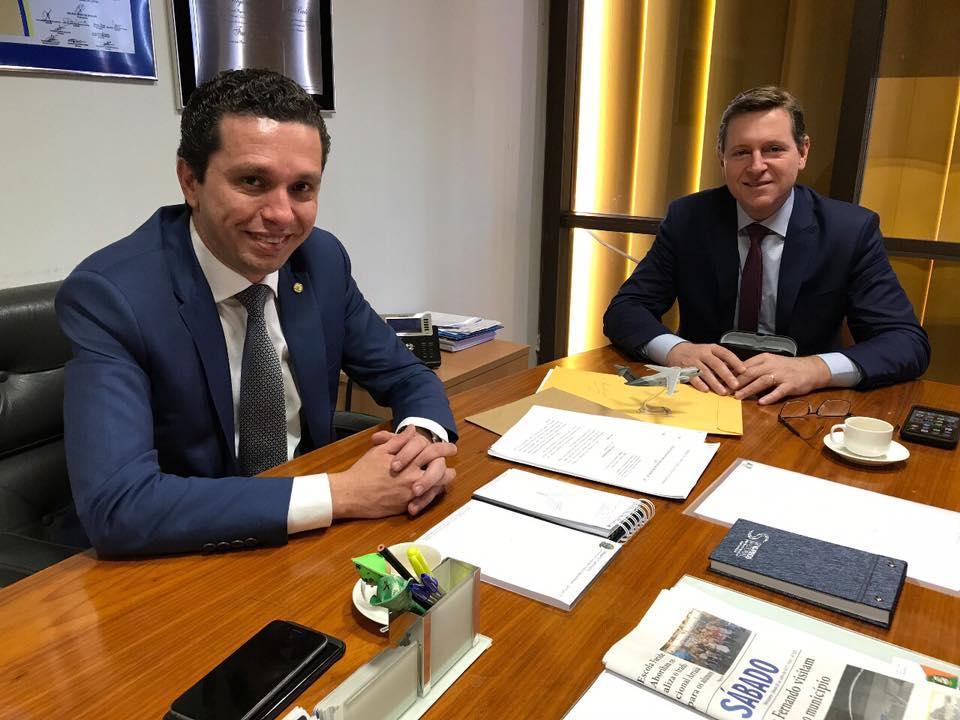 Em Brasília (DF), prefeito de Itararé se reúne com Fausto Pinato