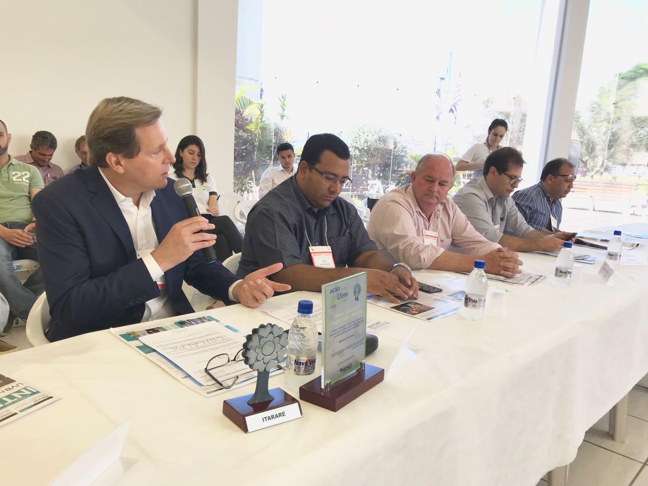 Prefeito de Itararé (SP) discursa em Comitê sobre conquista do Programa Município VerdeAzul