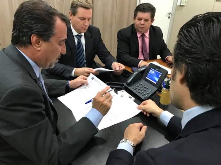Em Brasília (DF), prefeito de Itararé (SP) participa de audiência com ministro da Saúde