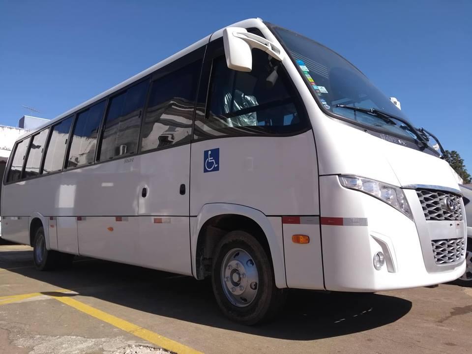 Com recursos próprios, prefeito de Itararé (SP) adquire micro-ônibus para a Saúde