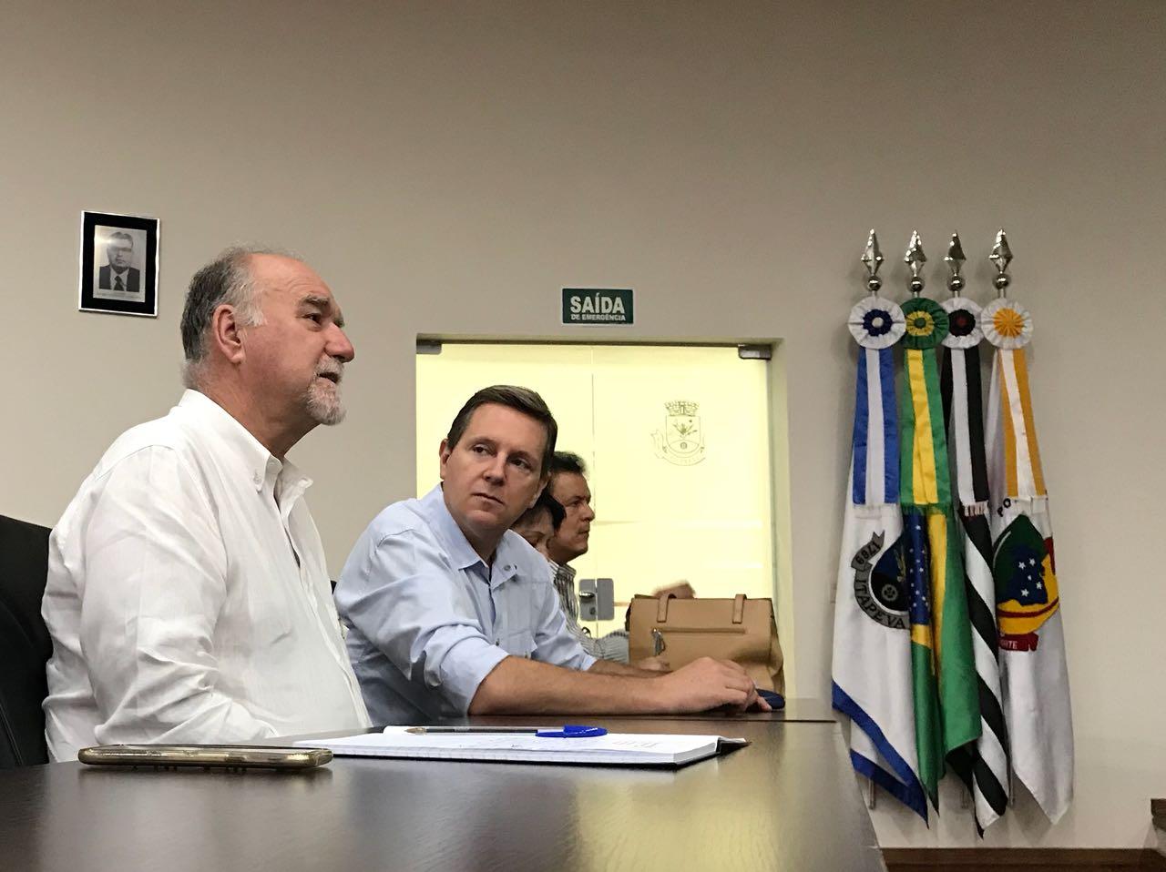 Em reunião do Condersul, prefeito de Itararé (SP) discute sobre duplicação das rodovias da região