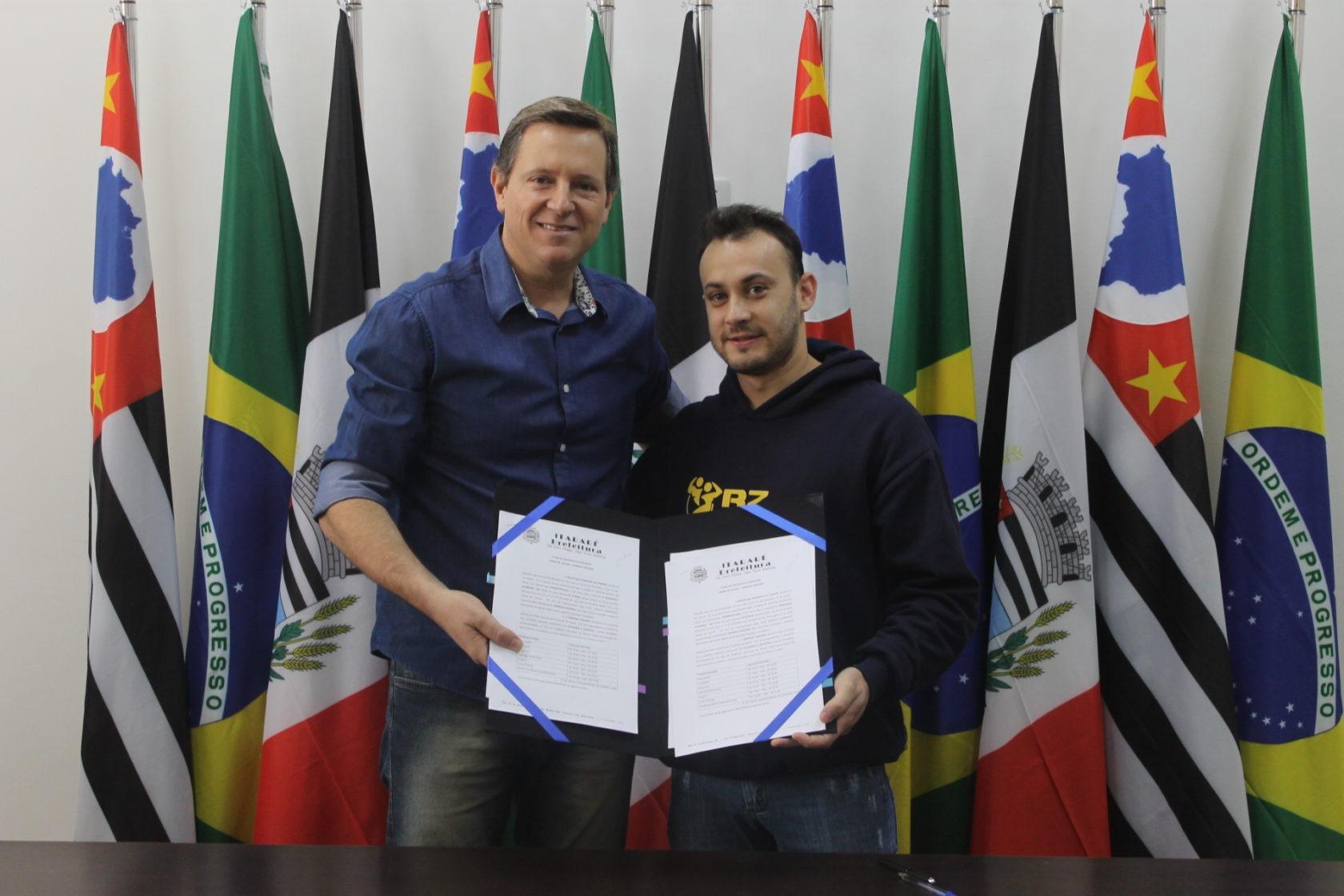Prefeito de Itararé (SP) assina mais um convênio pelo 'Clube de Desconto do Servidor'