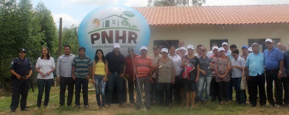 Prefeitura entrega mais 11 casas do PNHR