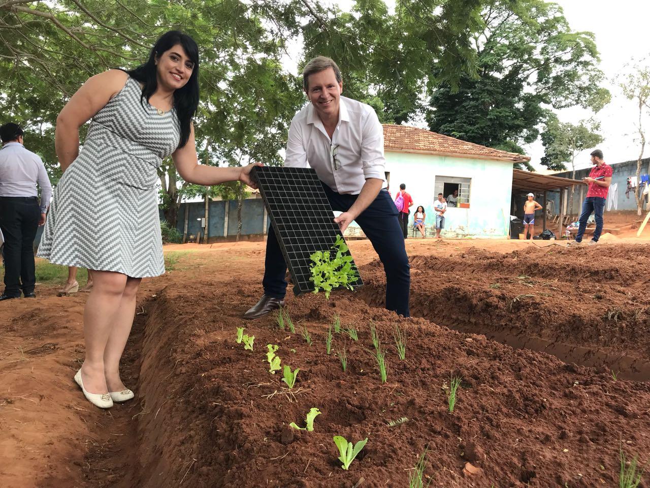 Após dois anos estagnado, gestão Heliton do Valle reativa Fundo Social de Solidariedade de Itararé (SP) e inaugura projeto Horta Educativa