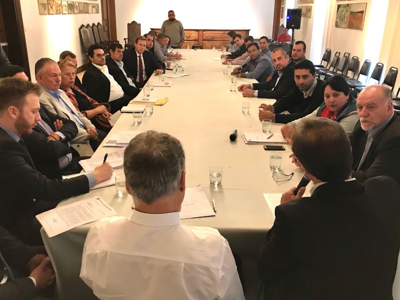 Prefeito de Itararé (SP) reúne-se com secretário-chefe da Casa Civil do Estado de São Paulo
