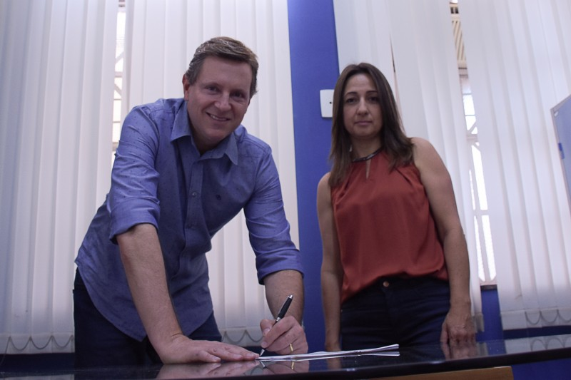 Projeto de Heliton do Valle garante até 20% de desconto para servidores públicos na Auto Escola Nova Era de Itararé (SP)