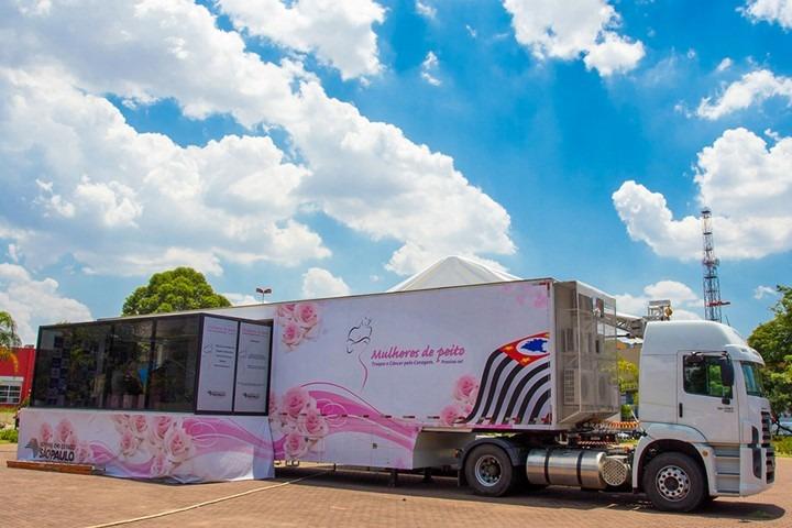 Prefeitura traz à cidade carreta do programa Mulheres de Peito
