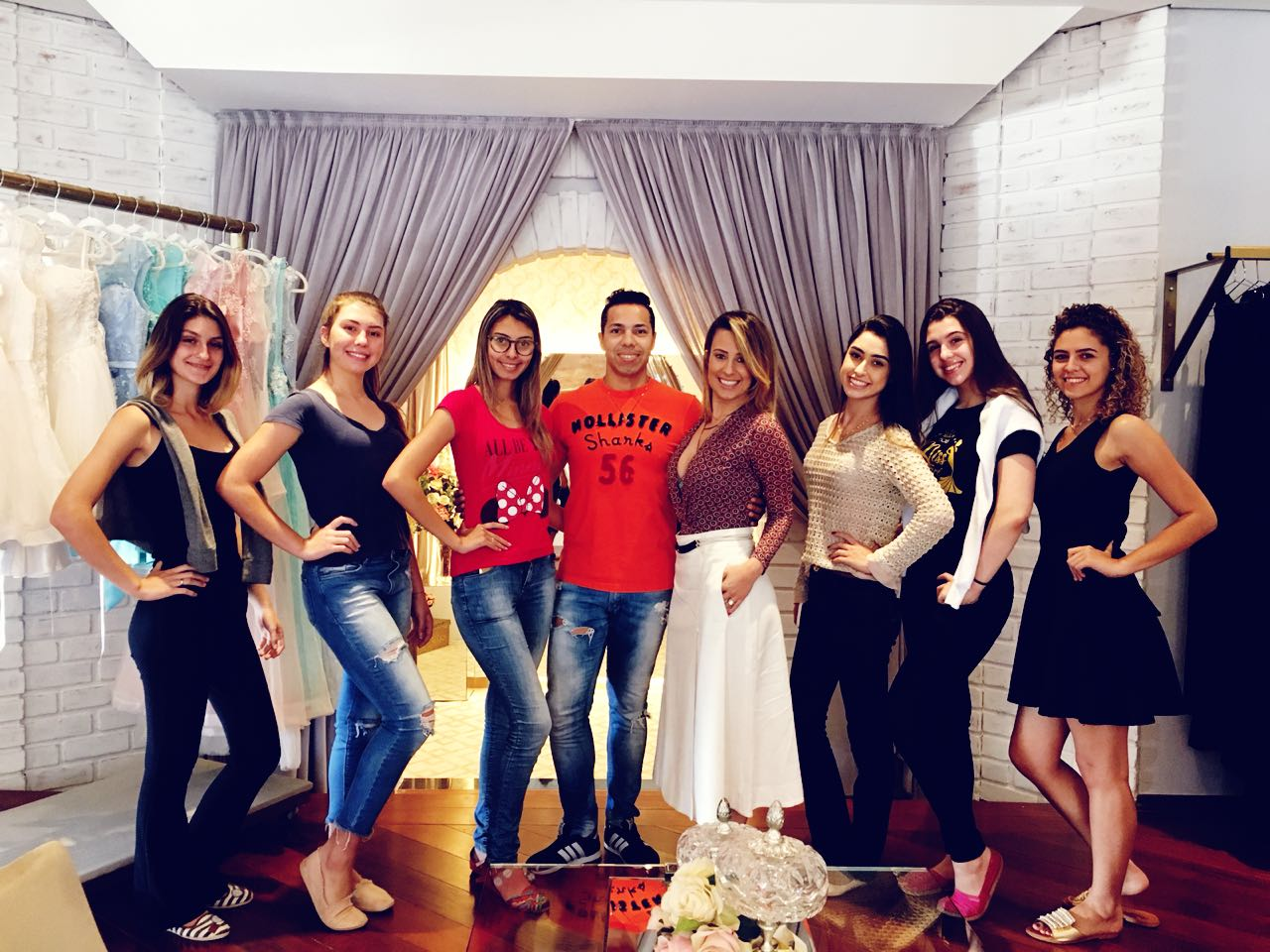 Candidatas a Miss Itararé (SP) Be Emotion 2018 realizam prova de roupas