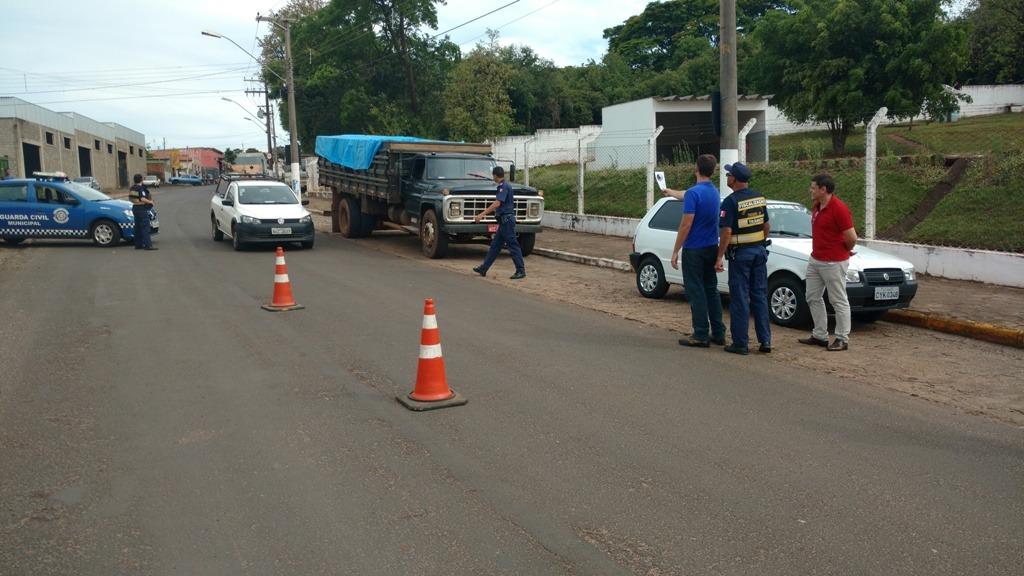 Prefeitura de Itararé (SP) realiza blitz de orientação a motoristas