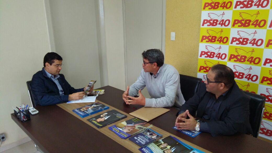 Coordenador Municipal de Turismo de Itararé (SP) apresenta potencial turístico do município a Carlos Cezar