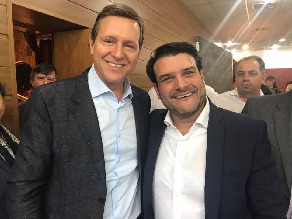 Prefeito de Itararé (SP) prestigia posse do novo secretário estadual de Meio Ambiente