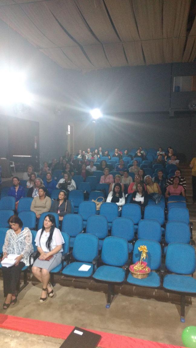 Merendeiras das escolas municipais de Itararé (SP) recebem capacitação