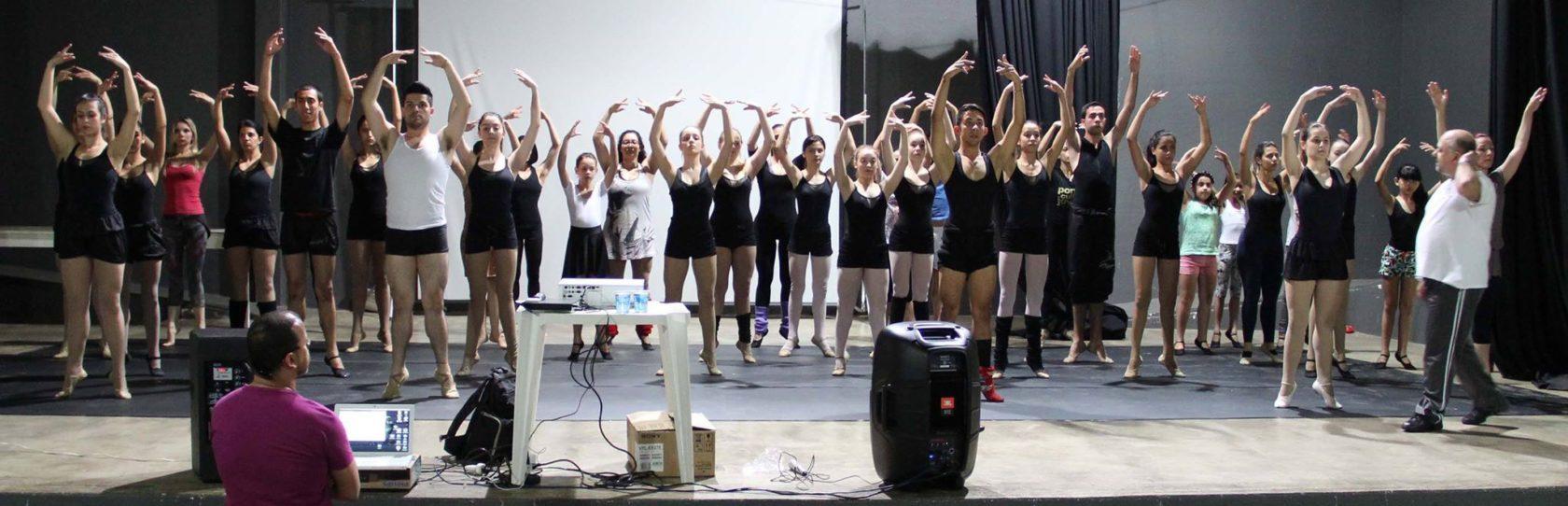 São Paulo Companhia de Dança ofereceu palestra e oficina para dançarinos de Itararé e região no Teatro Municipal Sylvio Machado