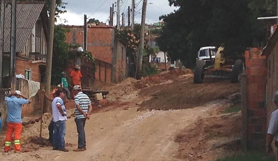 Prefeito de Itararé, Heliton do Valle, inicia melhorias no Novo Horizonte