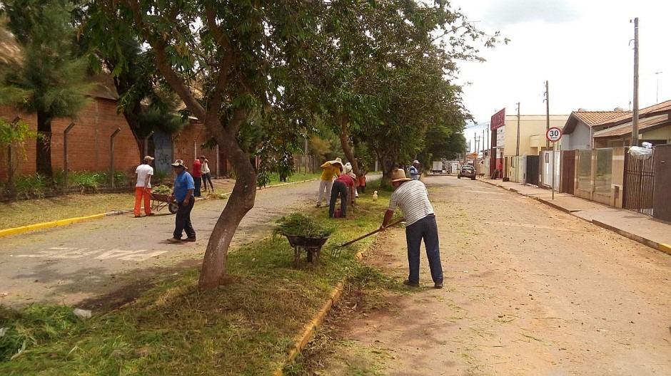 Prefeitura realiza ação intensa de limpeza