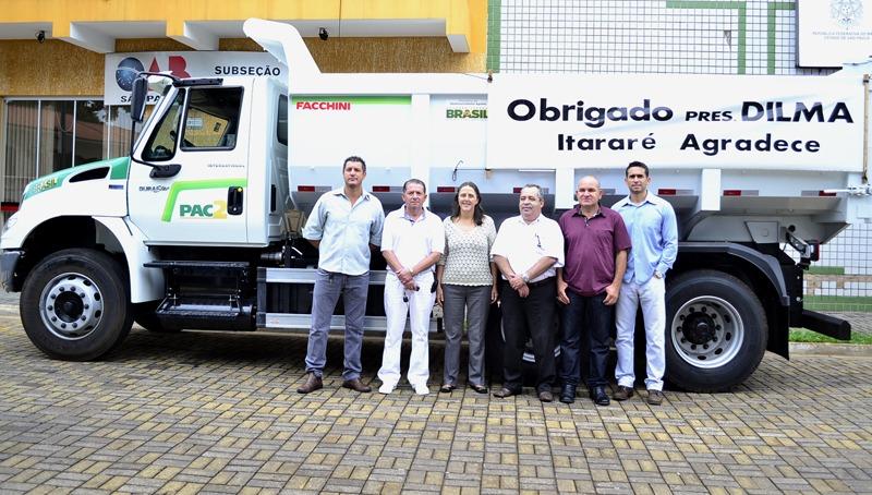 Caminhão basculante: mais uma conquista para o município