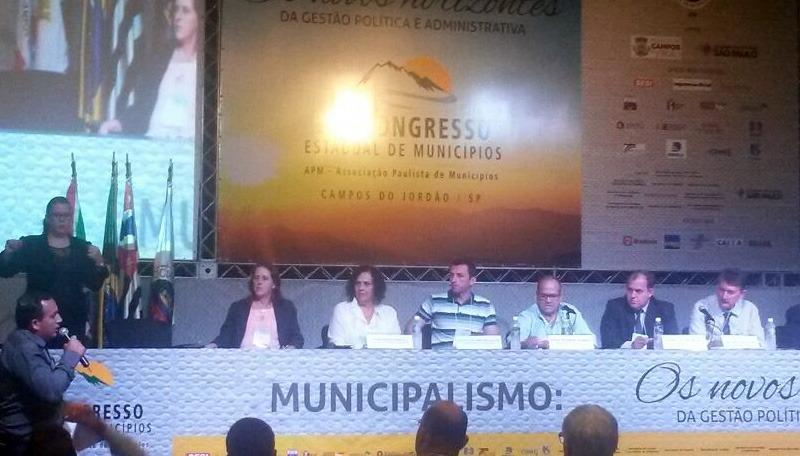 Prefeita Cristina Ghizzi participa da 58ª edição do Congresso Estadual de Municípios