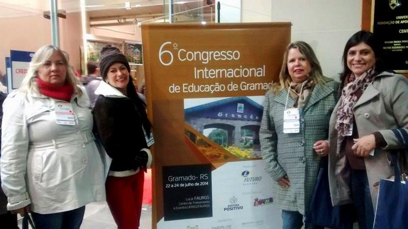 Grupo de diretores da rede municipal de ensino participa de congresso no RS