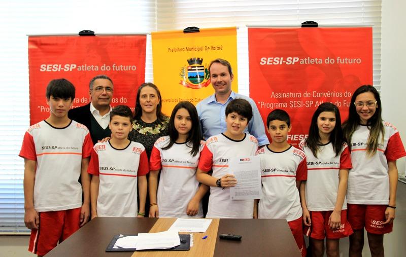 Itararé assina convênio com SESI-SP e adere ao programa Atleta do Futuro