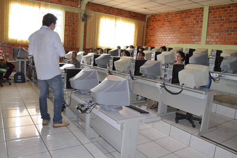 IBGE capacita servidores municipais