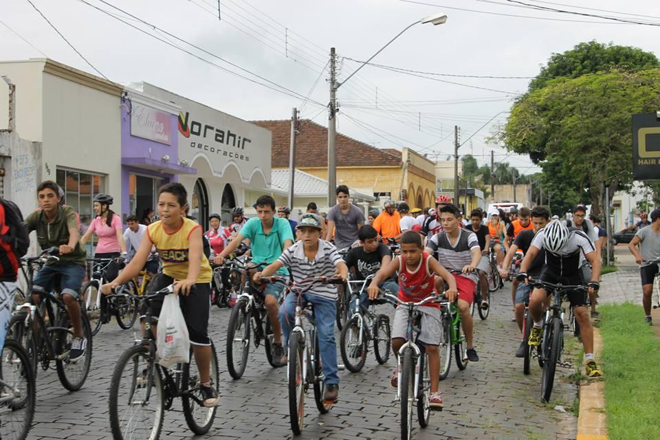 Pedalarte 2015 agitou Itararé neste fim de semana