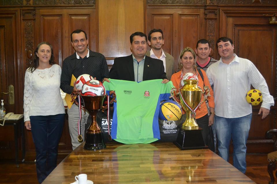Itararé recebe kits esportivos