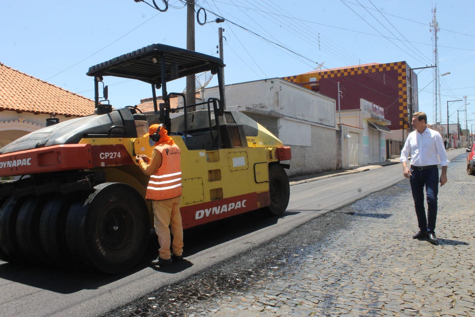 Prefeitura de Itararé (SP) realiza obras de recapeamento em Itararé (SP)