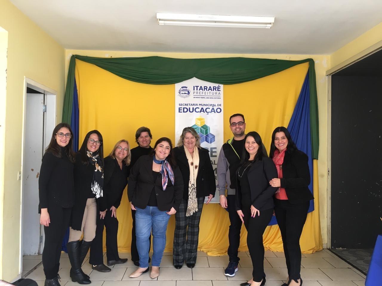 Educação de Itararé (SP) dá início ao curso 'BNCC – Educação é a base'
