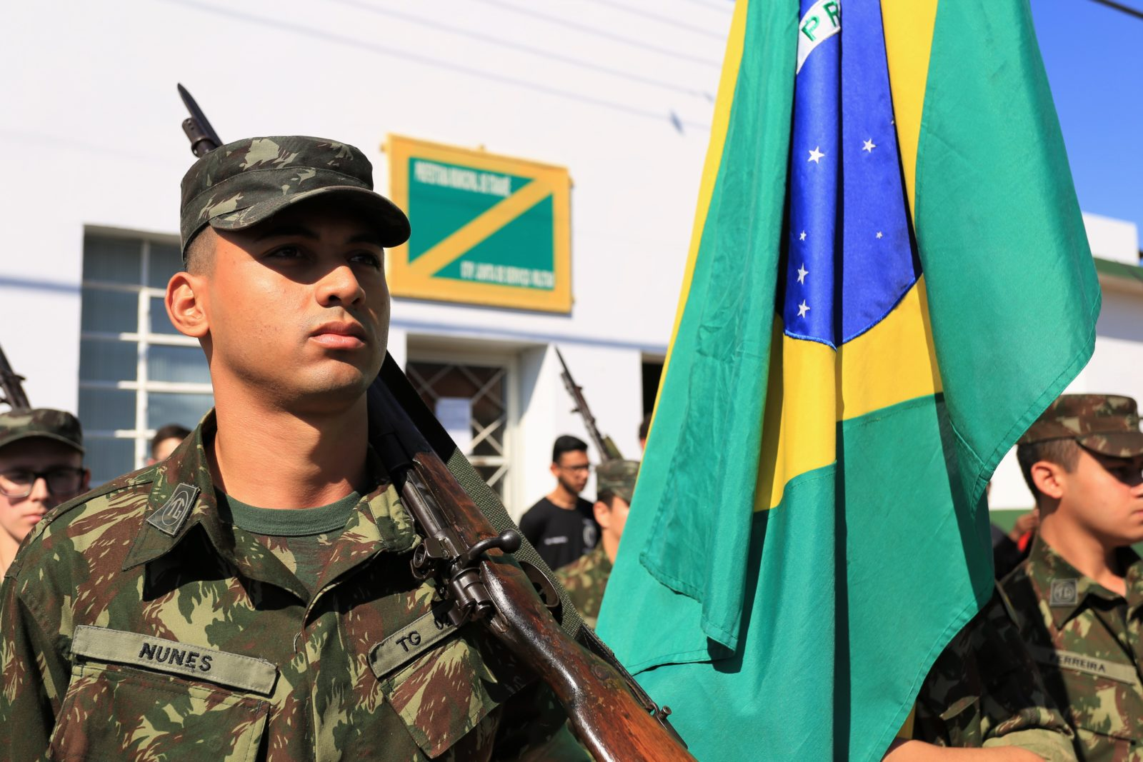 Tiro de Guerra de Itararé (SP) realiza solenidade em comemoração ao Dia da Bandeira
