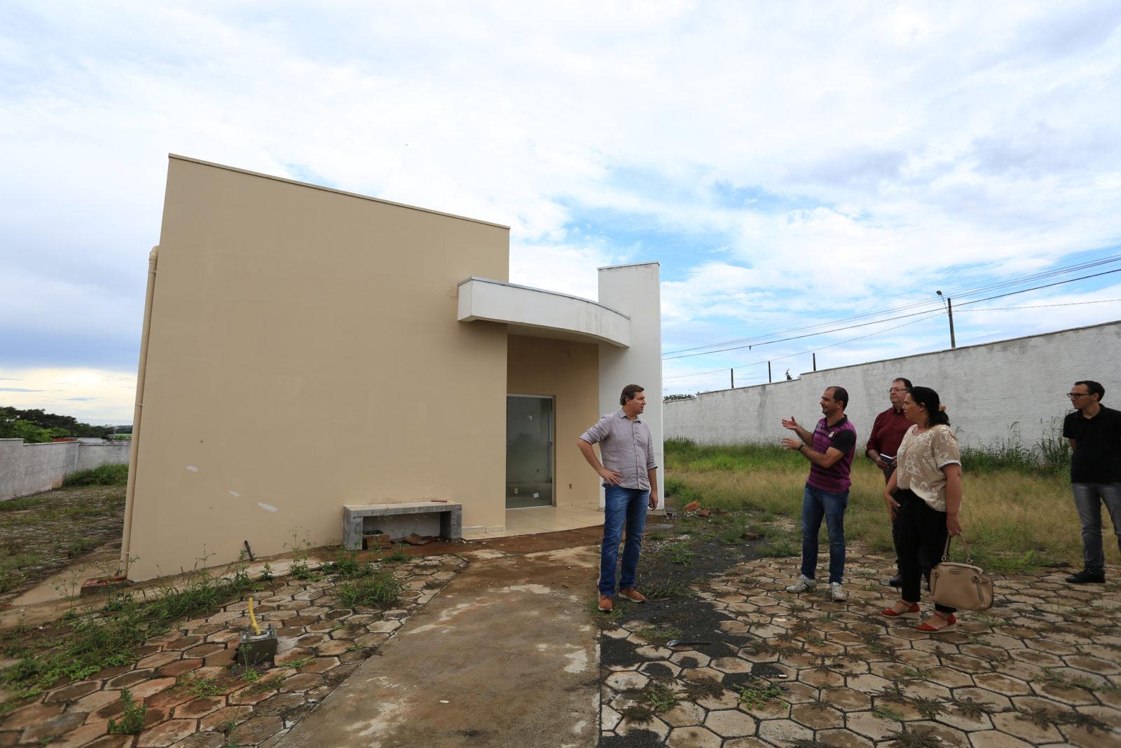 Prefeito de Itararé (SP) realiza visita nas futuras instalações do Cras Novo Horizonte