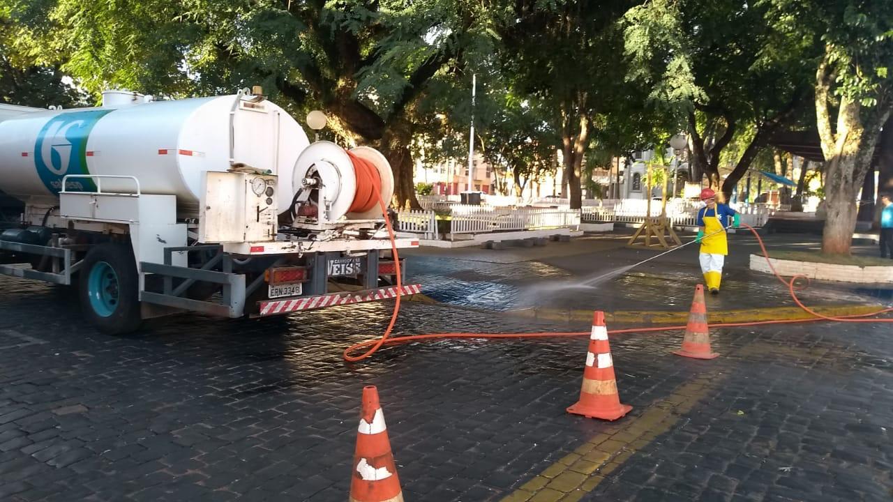 Coronavírus: Em parceria com a Sabesp, Prefeitura de Itararé (SP) dá continuidade as ações de descontaminação