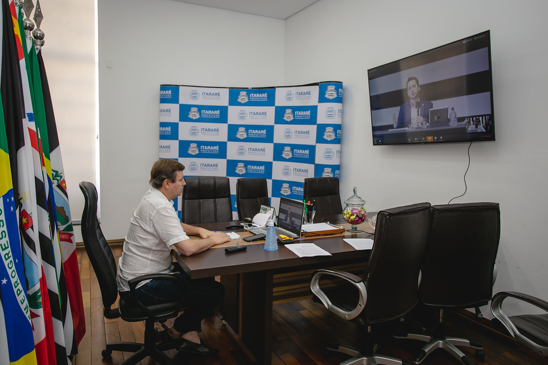 Coronavírus: Prefeito de Itararé (SP) participa de videoconferência com vice-governador