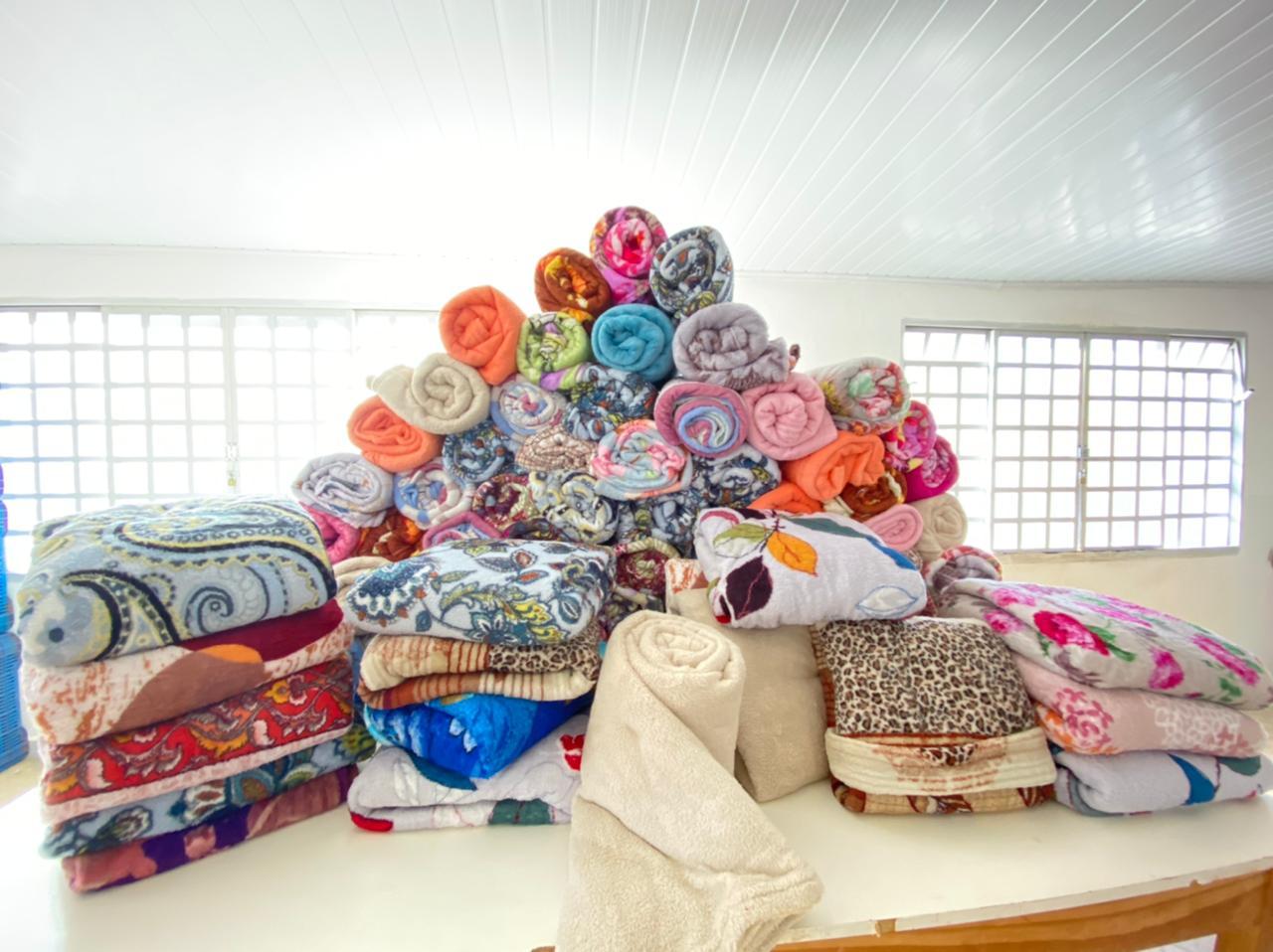 Secretaria de Desenvolvimento Social de Itararé (SP) recebe doação anônima de 90 cobertores